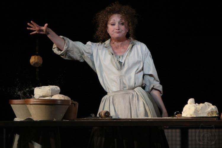Caroline O'Connor in Sweeney Todd at the Théâtre du Châtelet, Paris